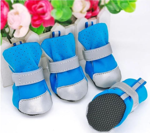Reflective winter boots for dogs