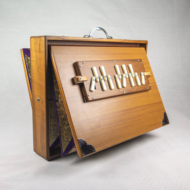 SHRUTI BOX MALE FULL-SIZED CHROMATIC (440 tuning)