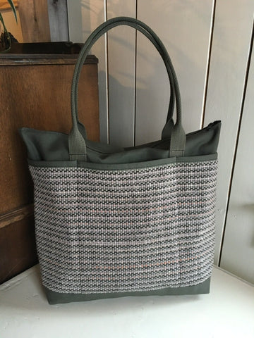 39 Bent Ziptop Tall Tote - Grey / Light Olive