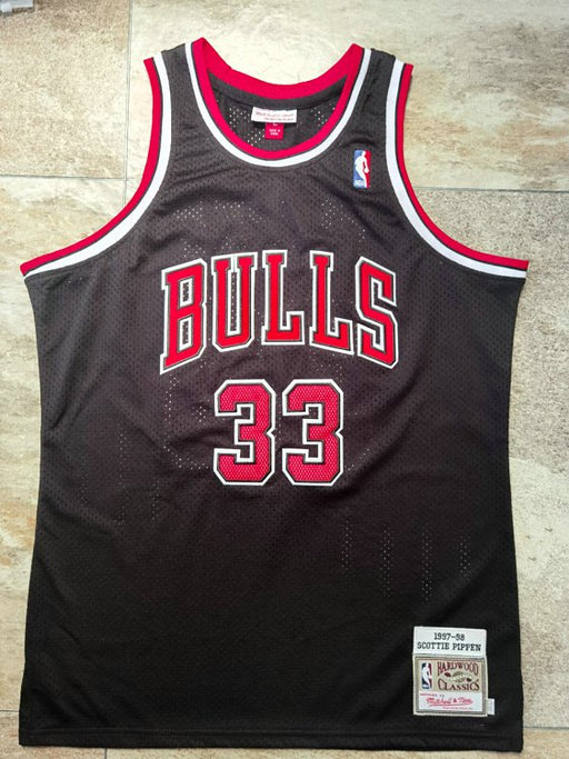 #33 Pippen chicago bulls Authentic M&N jersey black
