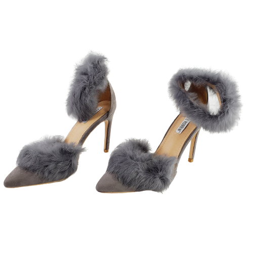 Cape Robbin Caprica-4 Women's Light Gray Caprica Faux Fur Pump Heels New