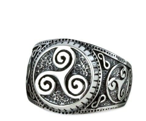 Celtic Triskele Ring