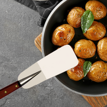 Load image into Gallery viewer, Nogent Canada Kitchen Spatula Made in France - Clementine Boutique