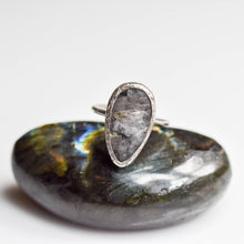 Load image into Gallery viewer, Silver Black Labradorite Ring