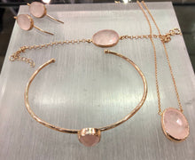 Load image into Gallery viewer, Rose Quartz Rose Gold Necklace