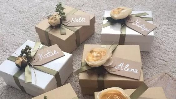 7 Gift Ideas Your Bridesmaids Will Love