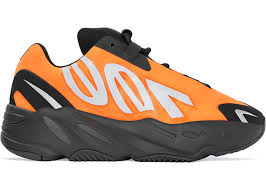 Yeezy 700 MNVN Orange - Kids