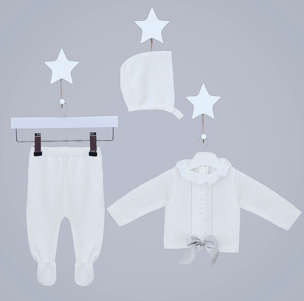 White Knitted Jumper & Pants Outfit With Matching Hat