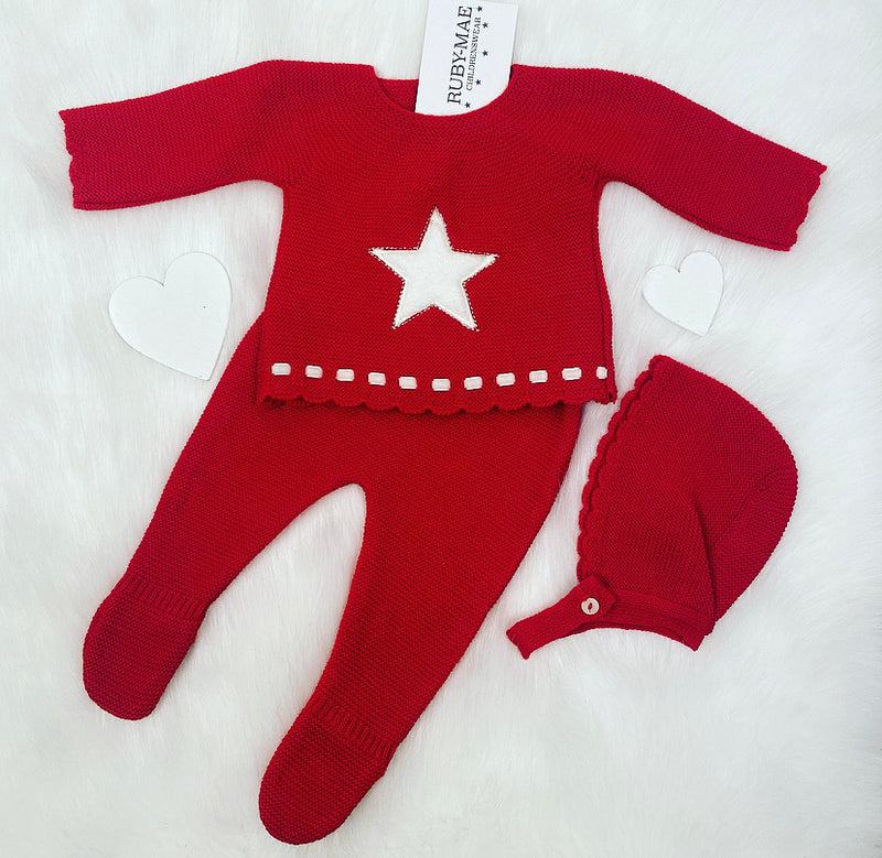 UNISEX Red With White Star Front Knitted Jumper & Pants Outfit With Matching Hat
