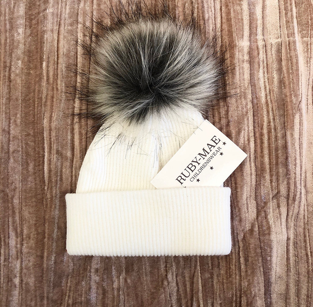 White Faux Fur Single Pom Pom Hat