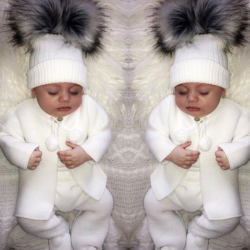 UNISEX White Pom Pom Knitted Set Piece