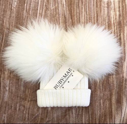 White Ribbed Faux Fur Pom Pom Hat