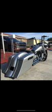 "Load image into Gallery viewer, Yamaha Road Star 6"" Bagger Kit & Lids - Backyard Air Suspension & Innovations, LLC."