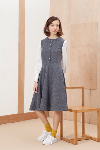 Crew neck contrast sleeve dress
