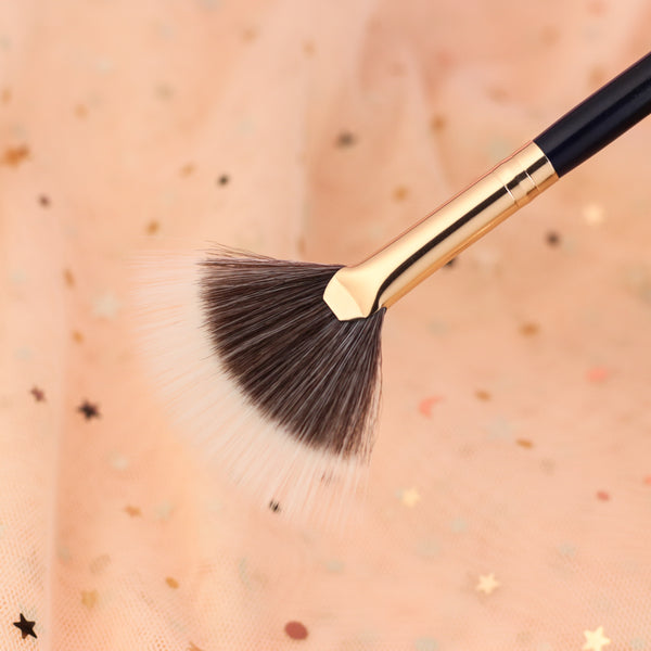 Duo-fibre Fan - 13rushes - Singapore's best makeup brushes