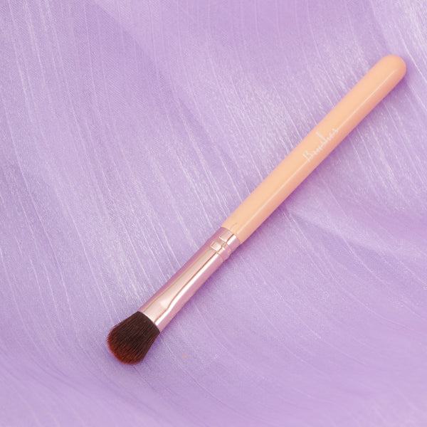 [Pokey] Resolution- Fluffy oval eye brush