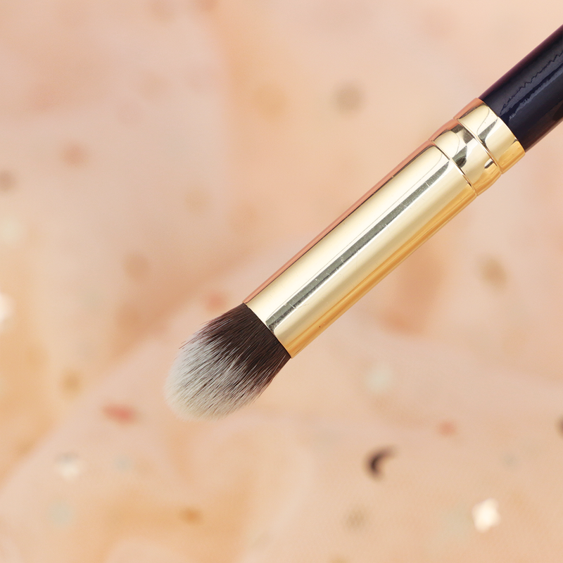 Tapered Concealer - 13rushes - Singapore's best makeup brushes