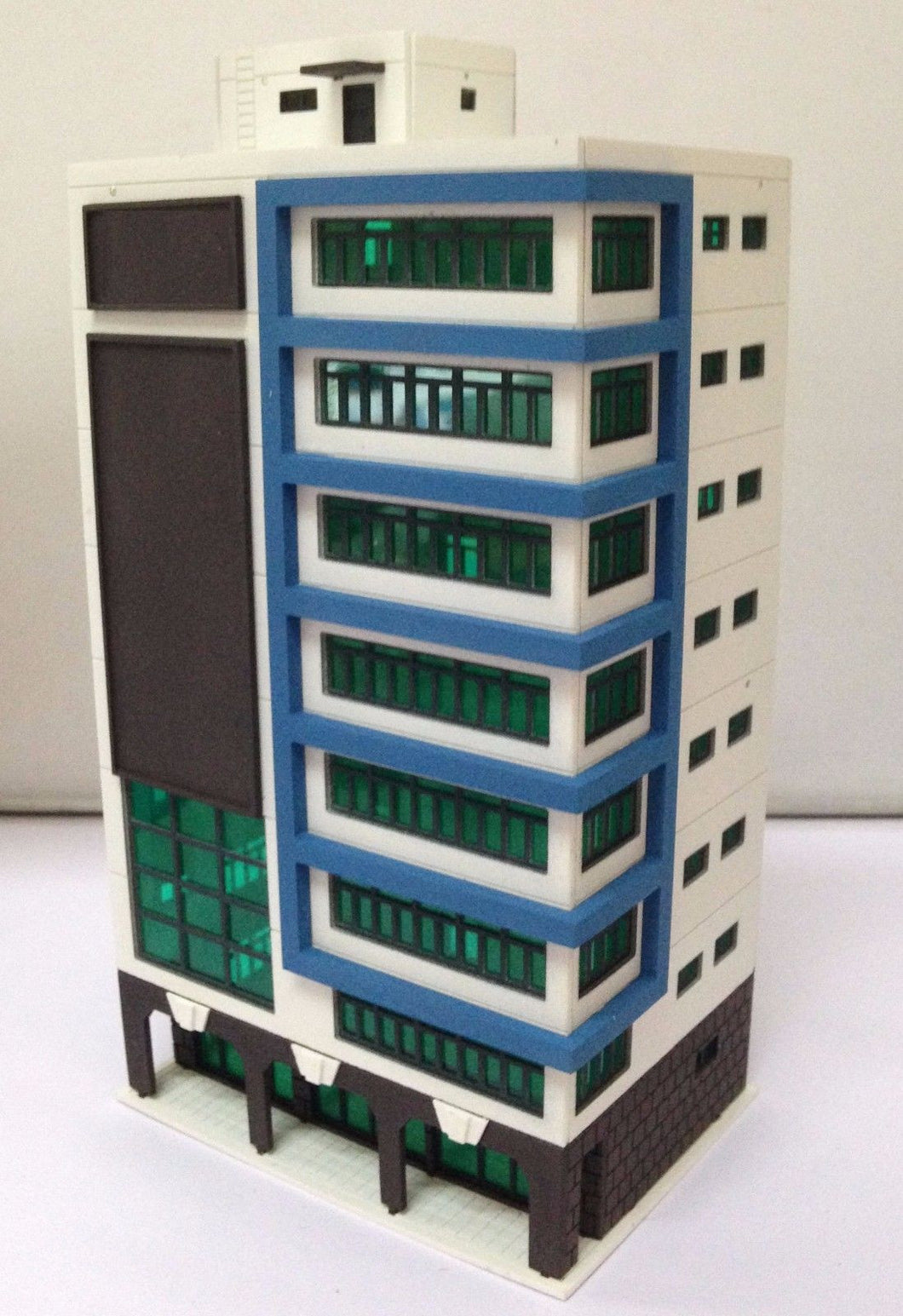 Colored Modern City Building Tall Shopping Mall N Scale Outland Models Railway