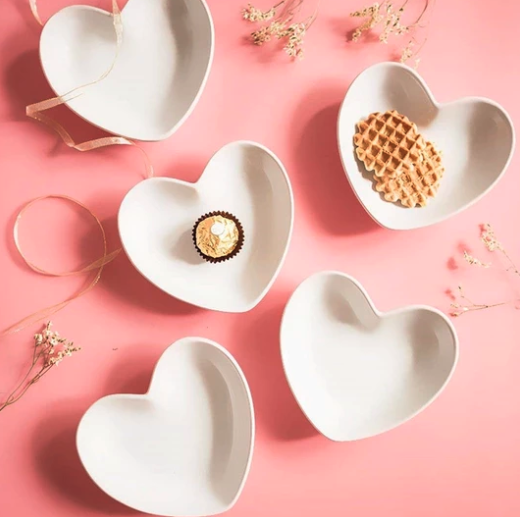 4PCS CUTE HEART SAUCER