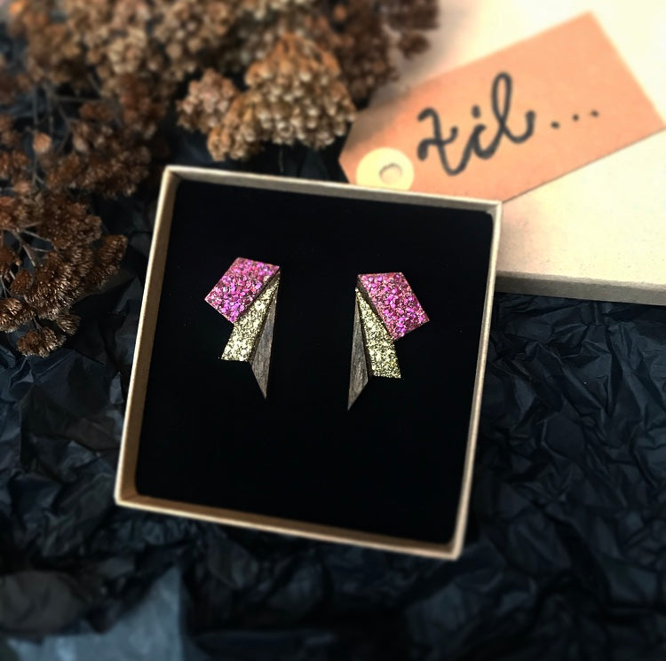 Image of   Small Wings Plum & Gold