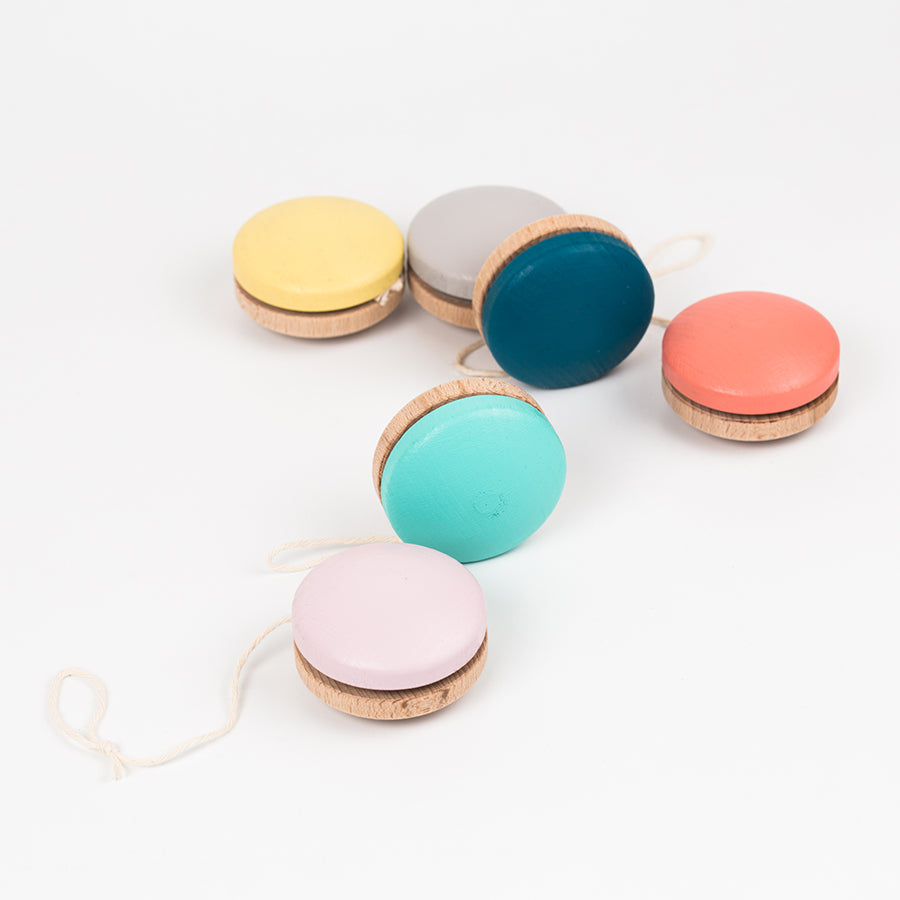 Toy . Wooden Yoyo - Colours