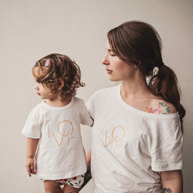 Girls - Love T-shirt - Branche Store
