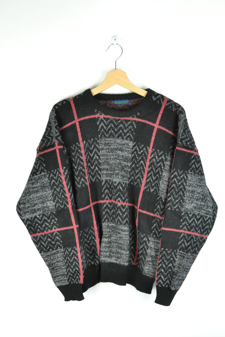 Lined Black/Red Sweater Medium M