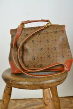 Load image into Gallery viewer, Printed Leather Shoulder Bag