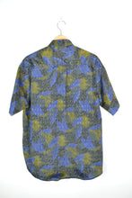 Load image into Gallery viewer, 80s Printed Unisex Shirt Khaki/Blue