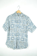 Load image into Gallery viewer, 70s Abstract Patterned Blue Summer Shirt M