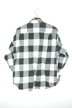 Load image into Gallery viewer, Plaid Flannel Shirt Black/White M