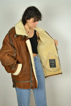 Load image into Gallery viewer, Vintage 70s/80s - TRAPPEUR B3 Aviator Sheepskin - Size L
