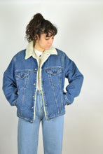 Load image into Gallery viewer, Levi's Shearling Denim Jacket Medium M