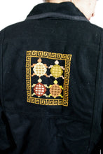 Load image into Gallery viewer, Crop Jacket with Turtle Embroidery Vintage 80s Small S