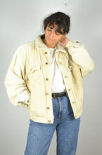 Load image into Gallery viewer, Wrangler Beige Corduroy Padded Jacket 90s Medium M
