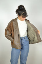 Load image into Gallery viewer, Brown Women's Leather Jacket Vintage 80s Large L