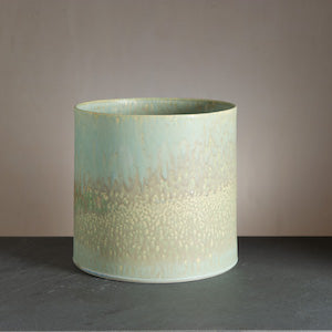 Rutile herbal pot from Wauw Design. Handmade ceramics from the workshop at Østerbro.