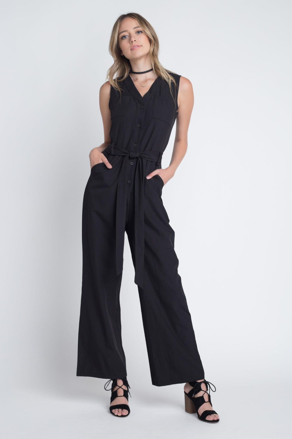 Women's Tie Sleeveless Buttoned Jumpsuit