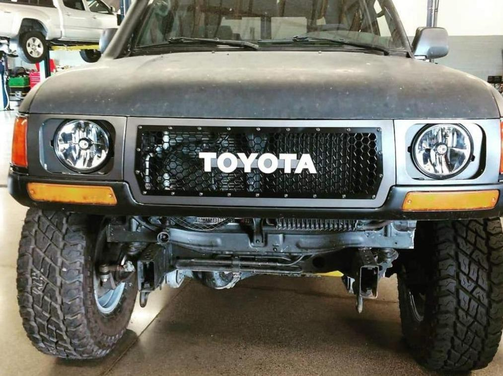 80 Series Land Cruiser Grille and 7