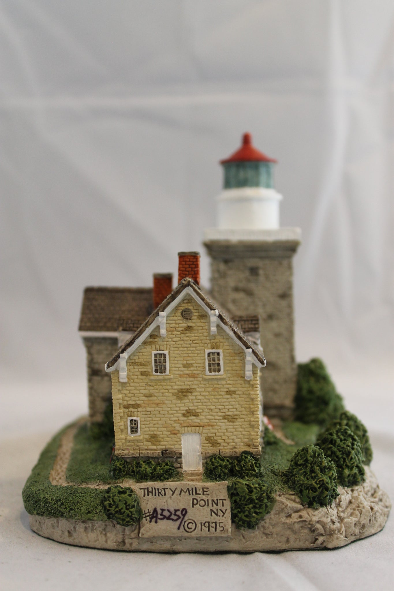 Collector Lighthouse: 30 Mile Point, NY #HL414/184
