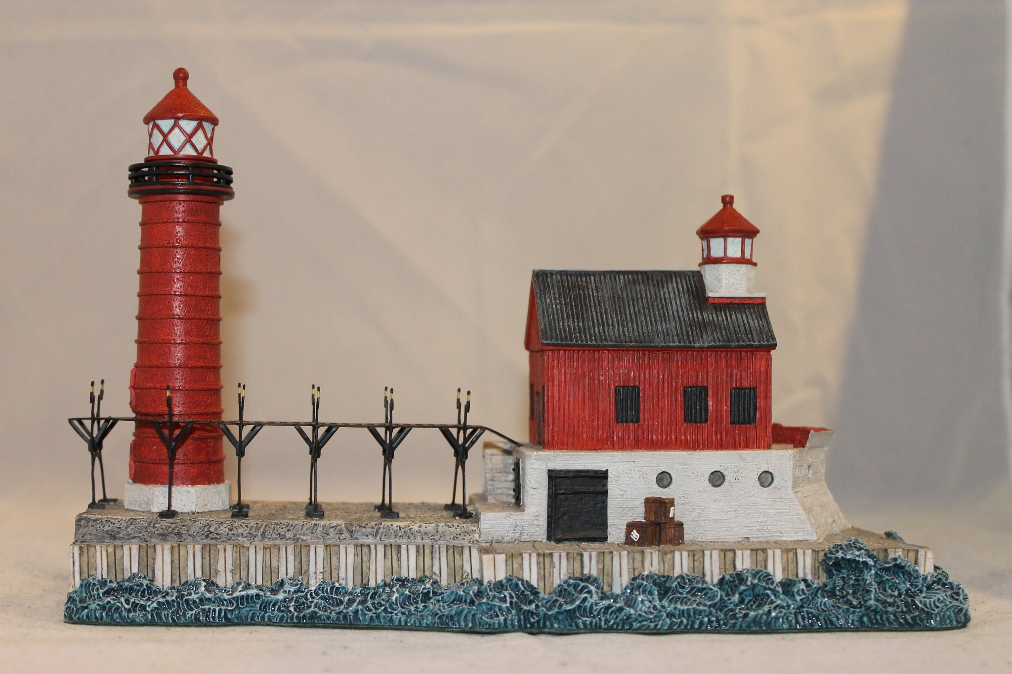 Collector Lighthouse: Grand Haven South Pier, MI #HL212