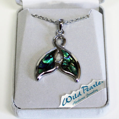 Wild Pearle Whale Tail Necklace