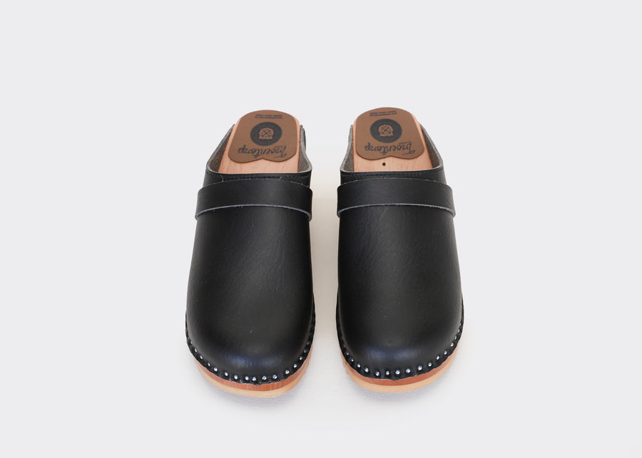 DA VINCI black vegan clogs