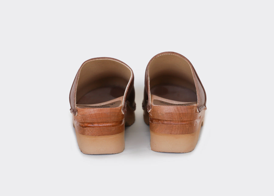 DA VINCI  TAN (Brown) vegan swedish clogs - TROENTORP COLAB