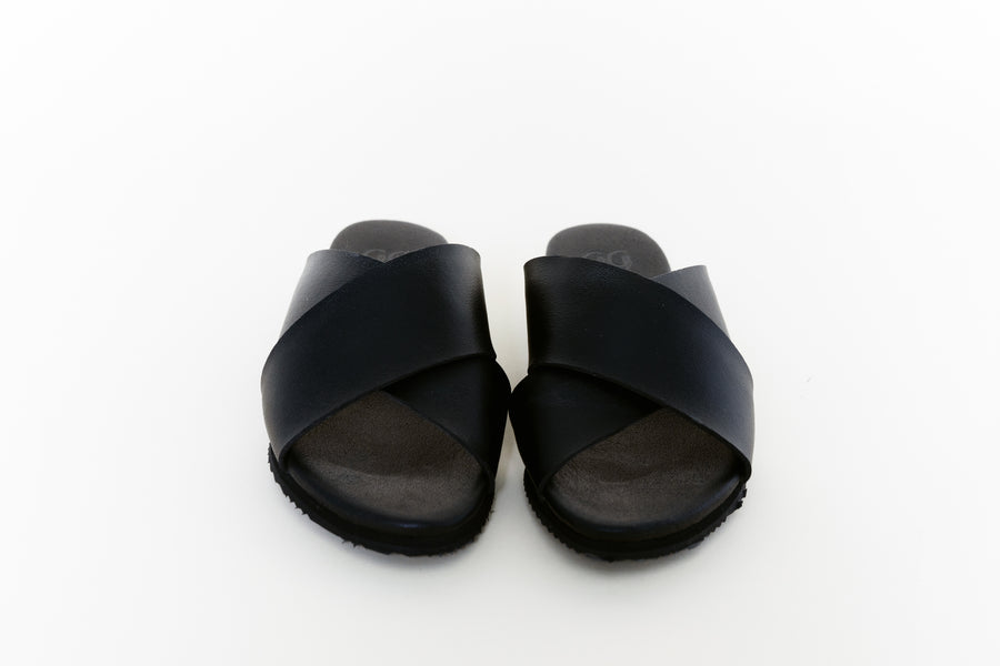 KRISS BLACK, vegan Slip-on Sandals, Vegan Leather