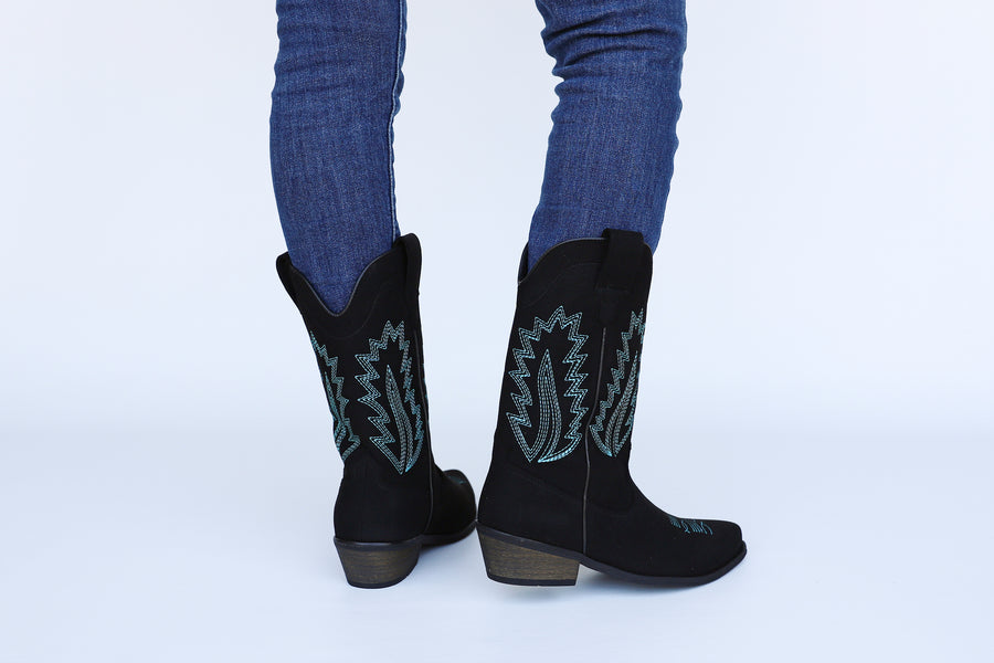 LUCKY black vegan western boots with turquoise embroideries