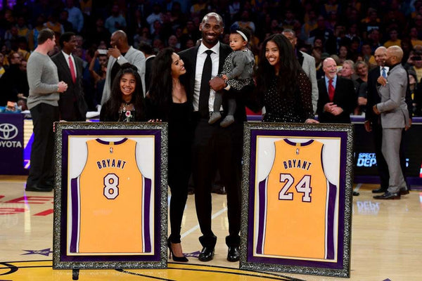 kobe bryant with family at retirement