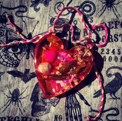 Rita's Adam & Eve Root Come to Me Bohemian Spell Amulet - Love Drawing, Attraction, Soul Mate, Spell is in the amulet
