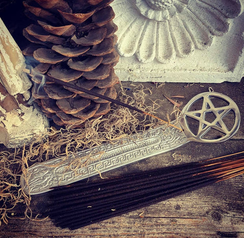 Rita's Kisstletoe Hand Dipped Ritual Incense Sticks - Yule, Christmas, Winter Solstice - Celebrate Your Holidays By Drawing in Love