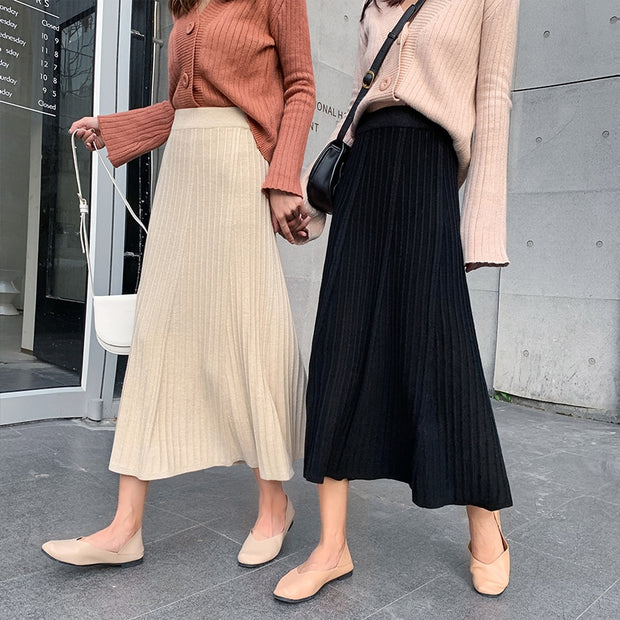 Spring Knit Pleated Midi Skirt